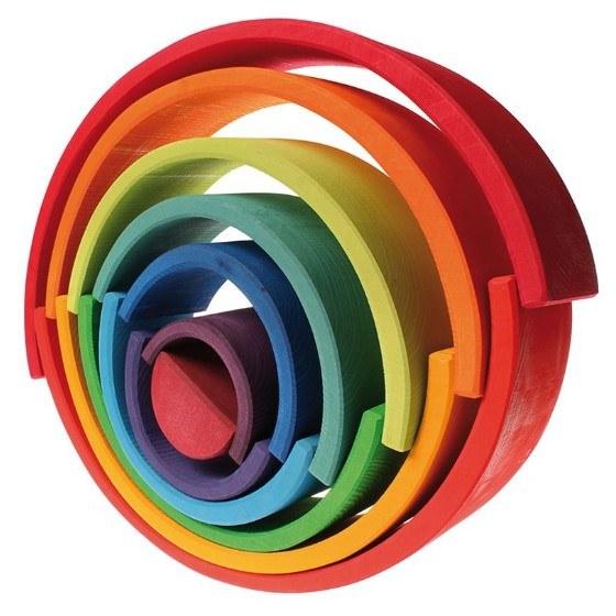 figura equilibrio arcoiris madera